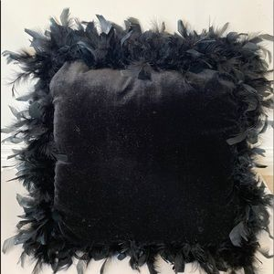 2 Velvet black pillows